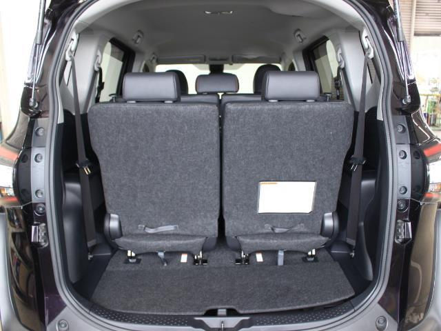 G クエロ ワンセグ メモリーナビ バックカメラ 衝突被害軽減システム 両側電動スライド LEDヘッドランプ 乗車定員7人 3列シート 記録簿(8枚目)