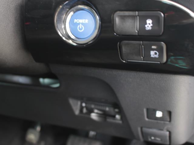 S フルセグ DVD再生 バックカメラ 衝突被害軽減システム ETC LEDヘッドランプ 記録簿(10枚目)