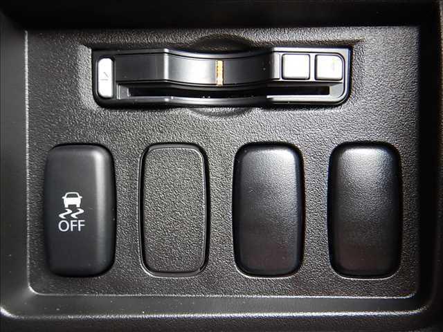 三菱 デリカD:5 Dパワーパッケージ 両側パワースライド ディーゼルTB