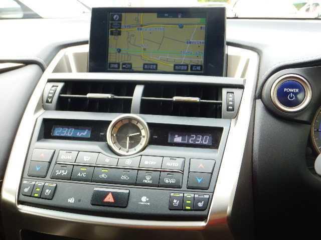 NX300h 4WD ハージョンL パノラマルーフ・革シート(4枚目)