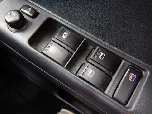 全国ネットワークのTAX加盟店です!お車の販売、ご購入後のメンテナンスや車検、もしもの時のロング保証、修理やロードサービス、そんな時に備える保険など、ワンストップでお客さまをサポートします!