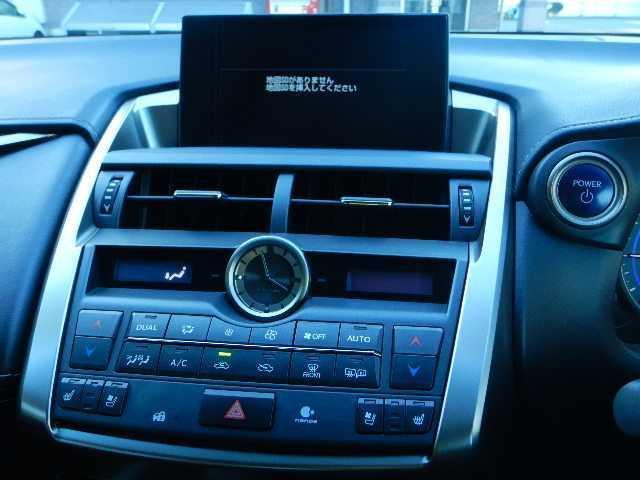 NX300h バージョンL 4WD サンルーフ ナビTV(4枚目)