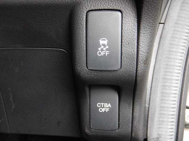 ☆内装はシートクリーニングから床のクリーニングに至るまで行い、入庫時に残っている臭いも除去しております。中古車と言えど、清潔なお車!を約束します!