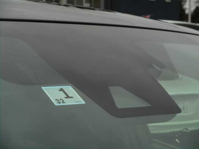 衝突軽減ブレーキ装着車です☆万が一のリスクに備えてドライバーの衝突防止、回避の支援をしてくれる機能を備えてます☆