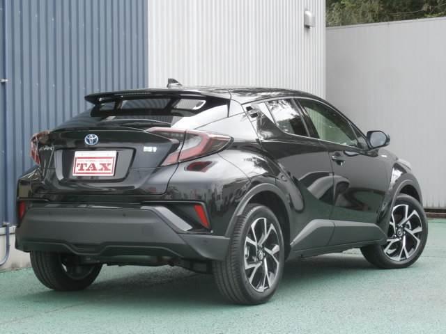 トヨタ C-HR G 登録済み未使用車 本革シート