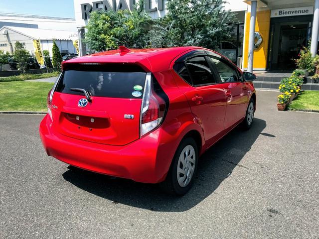 トヨタのコンパクトハイブリッドカー人気のアクア☆充実装備のグレード「S」