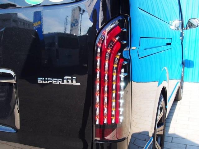 トヨタ ハイエースバン 3.0 スーパーGL ダークプライム ディーゼル