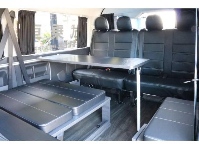 3列目後向き座席&ベッドキット!オプション サイドテーブルセット付き!