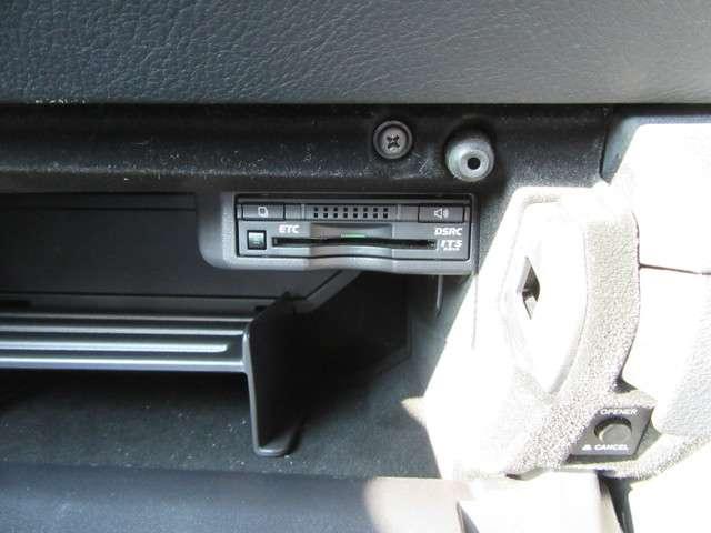 IS200t バージョンL ナビ12セグ ブルーレイ バックモニター HID LEDフォグランプ Cセンサー シートヒーター(9枚目)