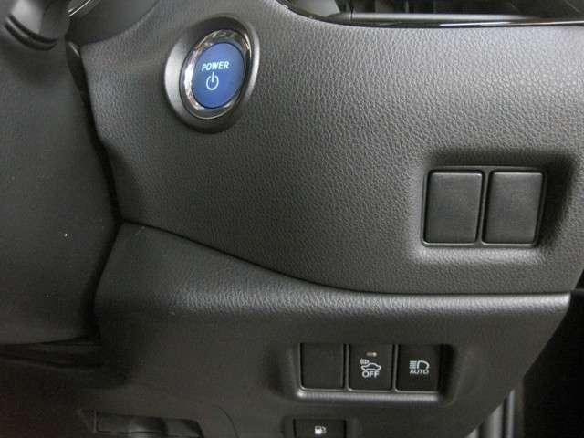 トヨタ C-HR G TSSP スマートキー バックカメラ