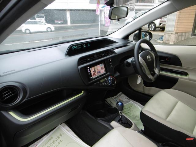 トヨタ アクア S ナビ TV オートエアコン フル装備