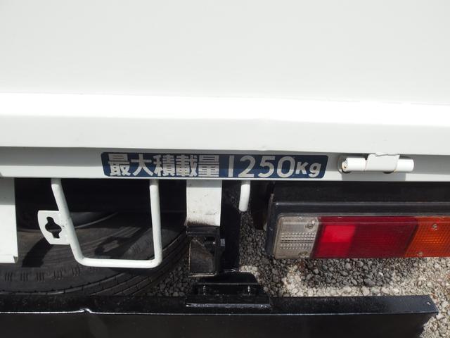 三菱ふそう キャンターガッツ Wキャブ 4WD 5速マニュアル車 6人乗り