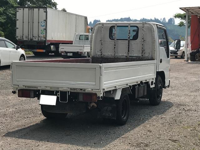 4WD 1.5t 平ボディ ディーゼル 5速マニュアル車(12枚目)