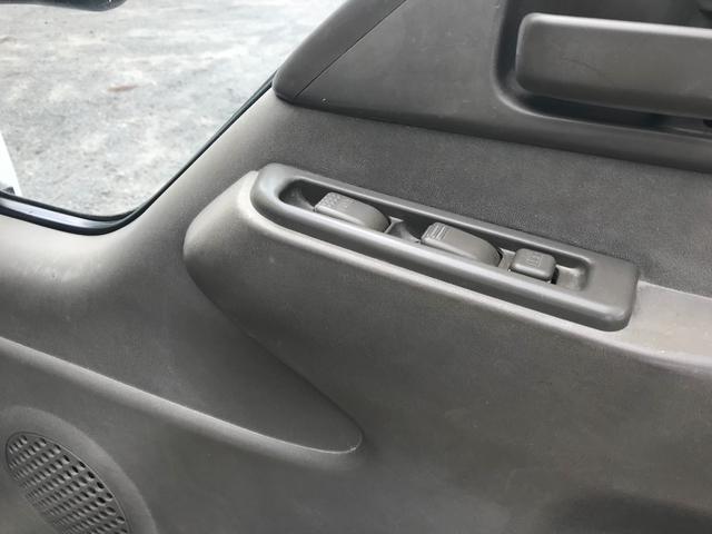 4WD 1.5t 平ボディ ディーゼル 5速マニュアル車(17枚目)