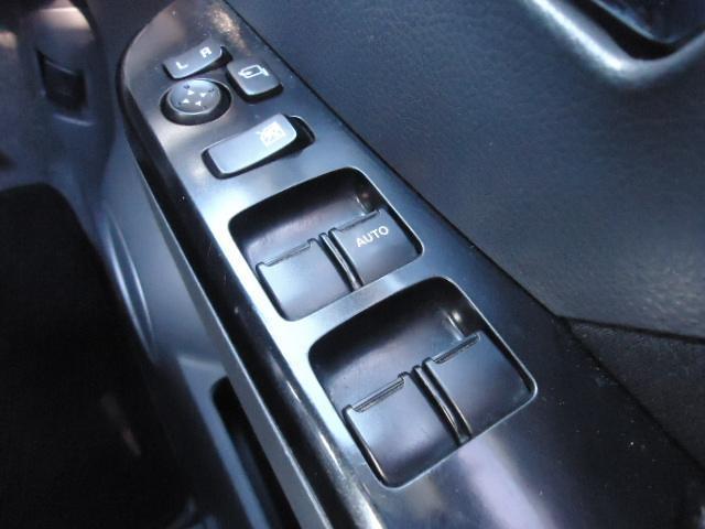 X エンジンプッシュスタート スマートキー HIDヘッドライト 禁煙車 14インチアルミ 純正エアロ(15枚目)
