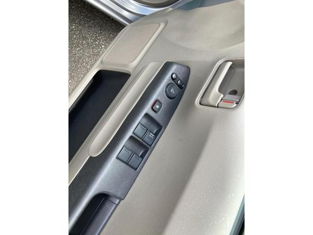 G バックモニター付きCDオーディオ 車検令和4年3月 電動格納ドアミラー アームレスト(21枚目)