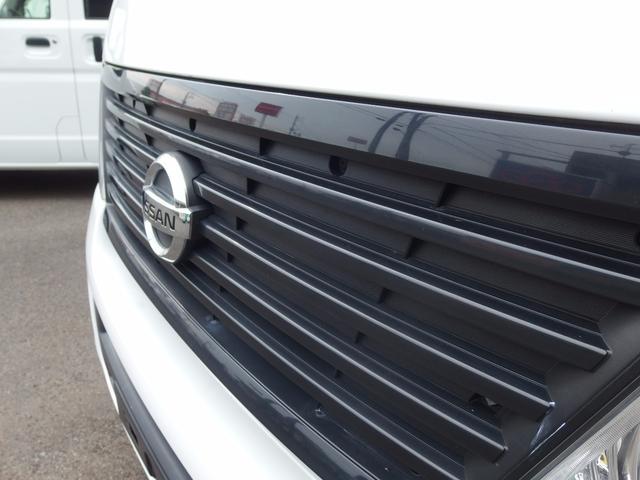 日産 キャラバン ロングDX 6人乗り オートマ車 15インチAW