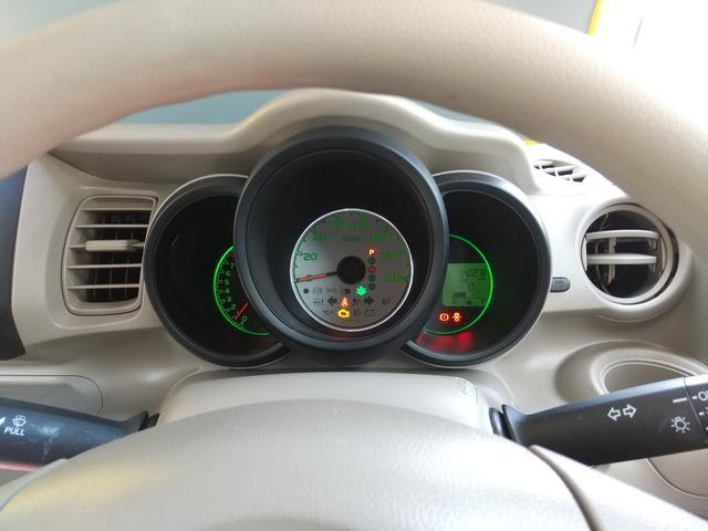 シフトまわりも目立つ大きな傷はありません。清掃済でとてもキレイです☆スマートキーなので、エンジンをかけるときはスタートボタンを押すだけの簡単操作です!