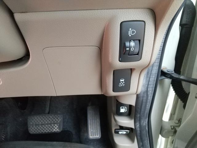 トランクルームです。リアシートの背もたれを倒せば広々お使いいただけます!もちろん、大きな荷物の積み下ろしも簡単ラクラクです♪