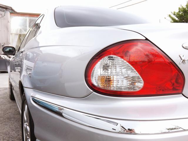 指定工場、各国産ディーラー、各輸入車ディーラーと提携しています。点検整備、車検、修理において幅広いサービスを提供することが可能です。コスト面にも恩恵があり、多くのお客様からご好評をいただいています。