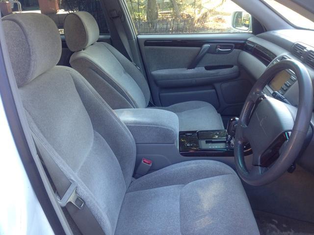 トヨタ クラウン ロイヤルサルーン 助手席電動回転シート 純正マルチナビ