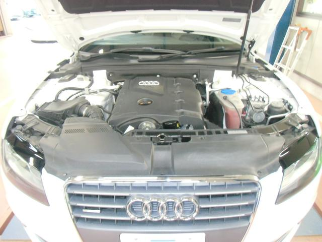 私どもはAudiディーラーで経験を積んだメカニックです。整備士の販売する車の価値がここにはあります。