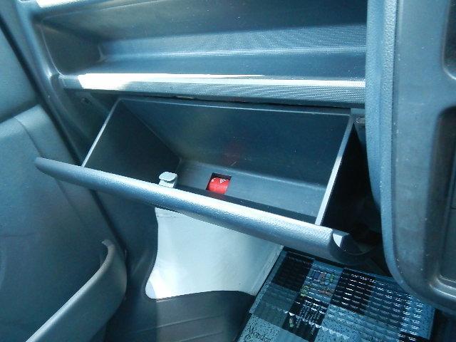 スズキ キャリイトラック エアコン・パワステ・4WD・5MT・3方開・ラジオ