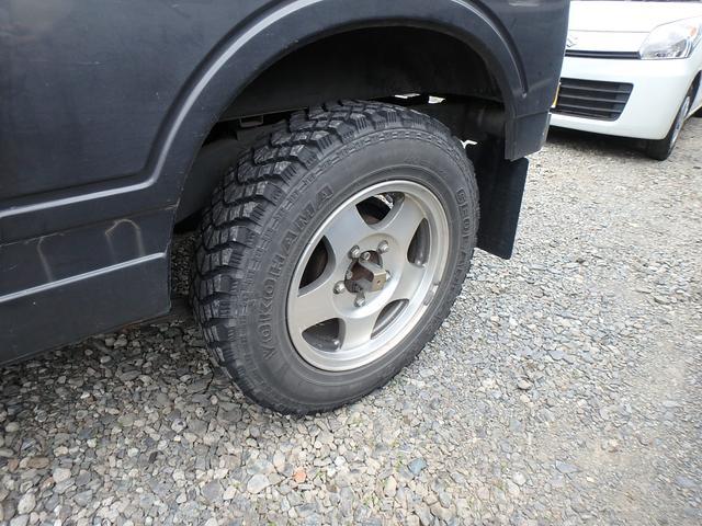 4WD ターボ 5速マニュアル MTタイヤ 社外マフラー(10枚目)