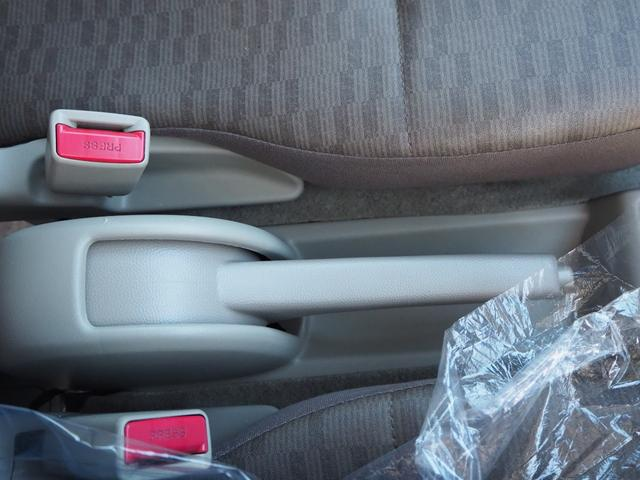 DX 禁煙車 エアバッグ パワーステアリング エアコン 両側スライドドア 純正FMAMラジオ(27枚目)
