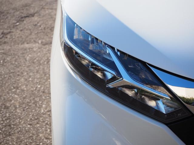 ハイウェイスター Gターボプロパイロットエディション 禁煙車 純正メモリーナビTV ブルートゥース対応 衝突被害軽減ブレーキサポート アラウンドビューモニター タッチパネル式オートエアコン プッシュスターター バニティミラー LED(3枚目)