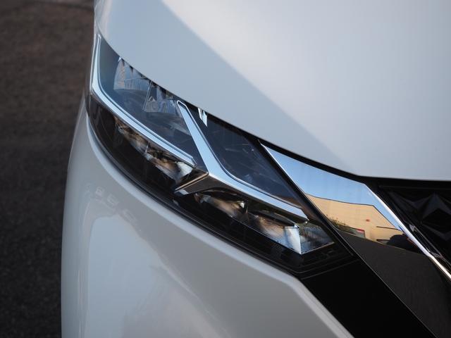 ハイウェイスター X プロパイロットエディション 禁煙車 純正メモリーナビTV ブルートゥース対応 衝突被害軽減ブレーキサポート アラウンドビューモニター タッチパネル式オートエアコン プッシュスターター バニティミラー LEDライト(3枚目)
