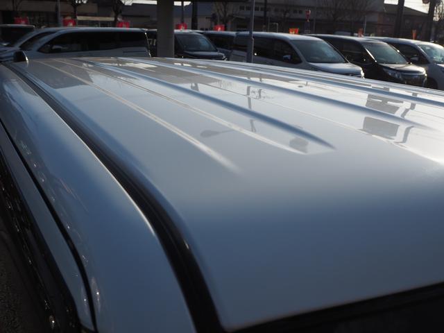 X 禁煙車 デュアルカメラブレーキサポート ナビTV バックカメラ ブルートゥース対応 シートヒーター アイドリングストップ プッシュスターター バニティミラー アームレスト HIDライト(8枚目)