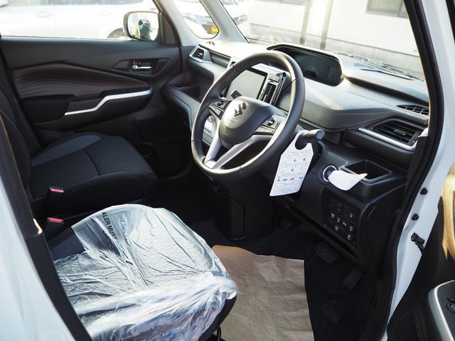 ハイブリッドMV 登録済未使用車 両側電動スライドドア デュアルカメラブレーキ LEDヘッドライト 純正アルミホイール エンジンプッシュスタート シートヒーター バニティミラー(16枚目)