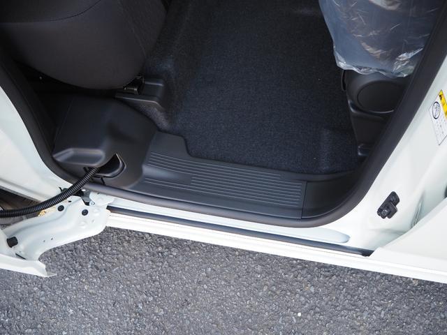 ハイブリッドMV 登録済未使用車 両側電動スライドドア デュアルカメラブレーキ LEDヘッドライト 純正アルミホイール エンジンプッシュスタート シートヒーター バニティミラー(19枚目)