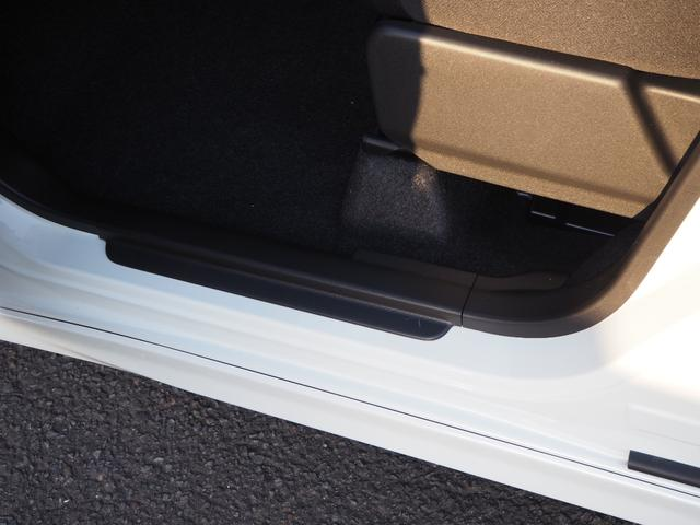 ハイブリッドMV 登録済未使用車 両側電動スライドドア デュアルカメラブレーキ LEDヘッドライト 純正アルミホイール エンジンプッシュスタート シートヒーター バニティミラー(45枚目)