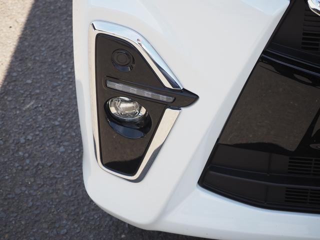 カスタムXセレクション 禁煙車 両側電動スライドドア 衝突被害軽減ブレーキサポート オートライト プッシュスターター LEDライト バニティミラー アームレスト シートヒーター(4枚目)