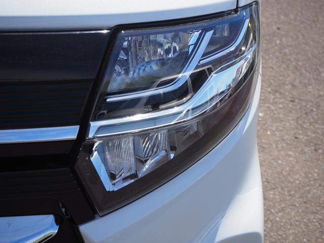 カスタムXセレクション 禁煙車 両側電動スライドドア 衝突被害軽減ブレーキサポート オートライト プッシュスターター LEDライト バニティミラー アームレスト シートヒーター(5枚目)