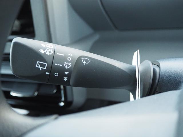 カスタムXセレクション 禁煙車 両側電動スライドドア 衝突被害軽減ブレーキサポート オートライト プッシュスターター LEDライト バニティミラー アームレスト シートヒーター(49枚目)