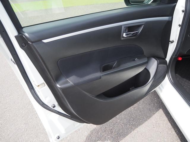 XG 禁煙車 ブルートゥース対応ナビTV エアバッグ ABS キーフリー   プッシュスターター バニティミラー オートエアコン(39枚目)
