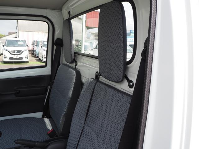 KCエアコン・パワステ 届出済未使用車 4輪駆動 エアバッグ ABS 純正FMAMラジオ 3方開き スペアキー メーカー保証付き(32枚目)