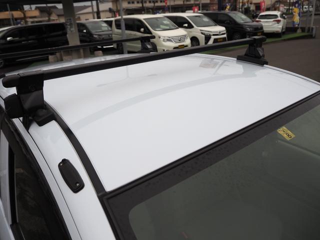 L 禁煙車 エアバッグ ABS キーレス パワーステアリング パワーウィンド 純正CDプレーヤー バニティミラー アイドリングストップ(7枚目)