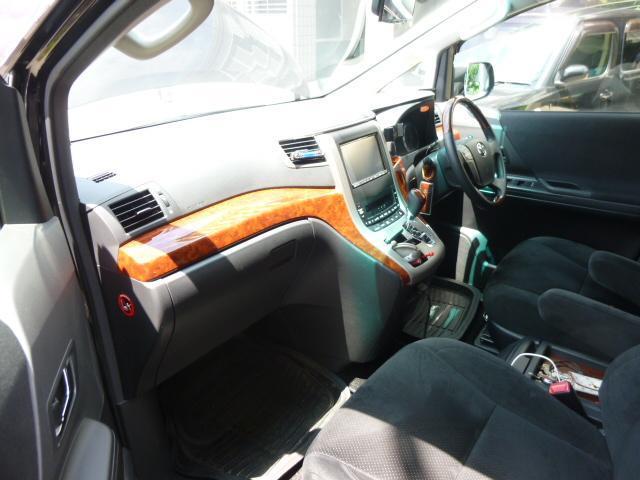 トヨタ ヴェルファイア 2.4Z プラチナセレクションII  フリップダウンモニター