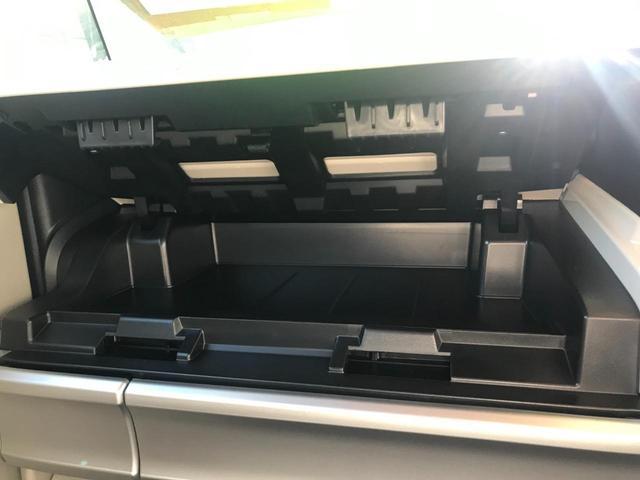 ハイブリッドX 両側電動スライドドア オートライト 全方位モニター クリアランスソナー プッシュスタート ステアリングスイッチ オートエアコン アイドリングストップ 安全装備付 ベンチシート フルフラット(28枚目)