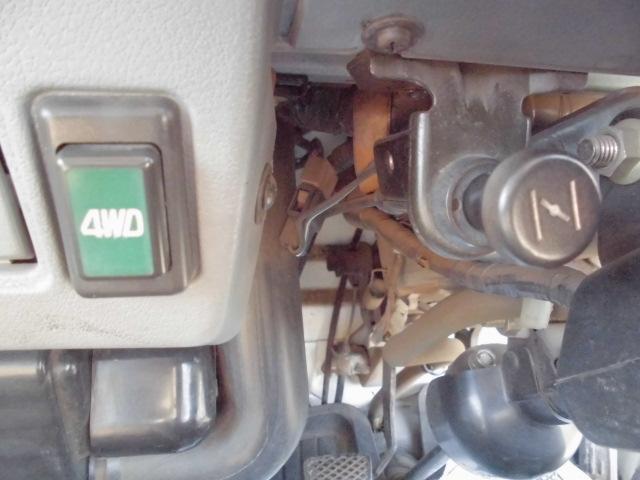 スバル サンバートラック 昭和の550CC希少2気筒エンジン3方開軽トラEL付4WD