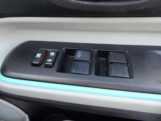 トヨタ アクア S SDナビTV バックカメラ ETC スマートキー
