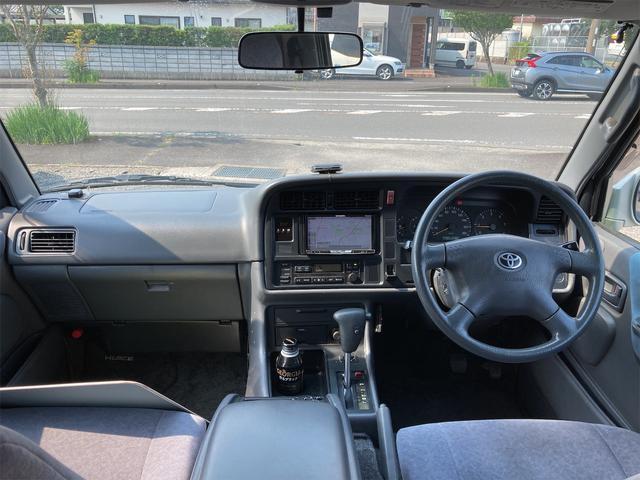 スーパーカスタムG 4WD サンルーフ ナビ AW ETC 8名乗り AC オーディオ付 DVD AT ディーゼルターボ(2枚目)