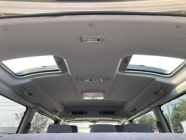 スーパーカスタムG 4WD サンルーフ ナビ AW ETC 8名乗り AC オーディオ付 DVD AT ディーゼルターボ(4枚目)