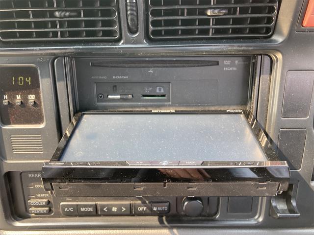 スーパーカスタムG 4WD サンルーフ ナビ AW ETC 8名乗り AC オーディオ付 DVD AT ディーゼルターボ(9枚目)
