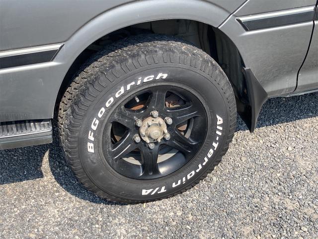 スーパーカスタムG 4WD サンルーフ ナビ AW ETC 8名乗り AC オーディオ付 DVD AT ディーゼルターボ(17枚目)