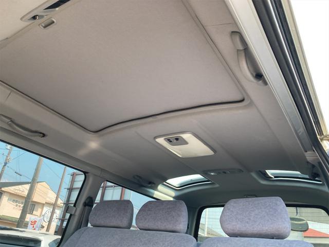 スーパーカスタムG 4WD サンルーフ ナビ AW ETC 8名乗り AC オーディオ付 DVD AT ディーゼルターボ(25枚目)
